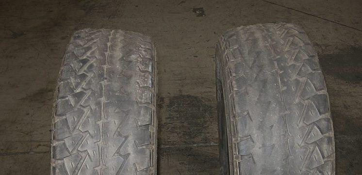 Zorg ervoor dat uw auto goed uitgelijnd is om onregelmatige bandenslijtage te voorkomen